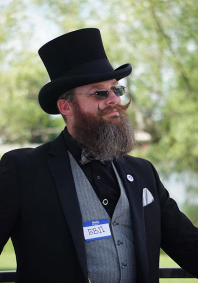 guy-in-tophat-beard