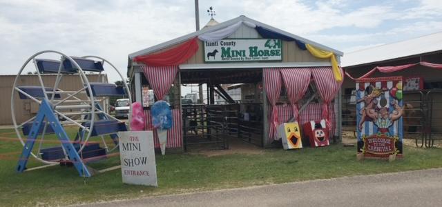 Mini-horse-barn-isanti-co-fair