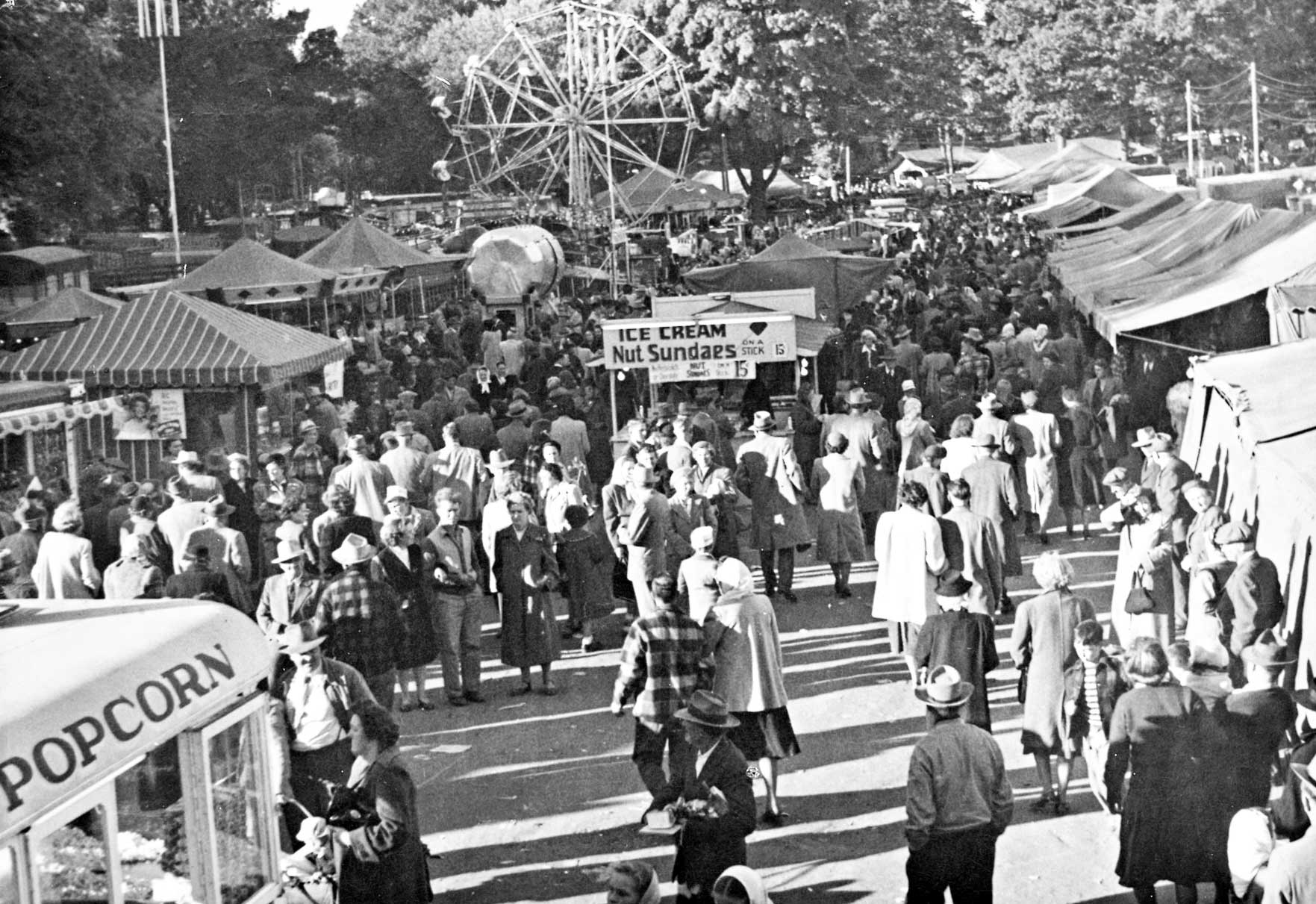 Old-Fair- Midway-Photo